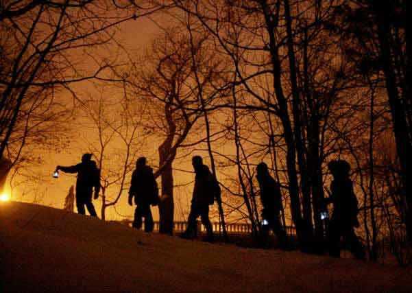 Amis de la Montagne - Découvrez les secrets de la montagne, ses sentiers et vues époustouflantes sur la ville dans la magie de la nuit avec un guide des Amis de la montagne. - WestmountMag.ca