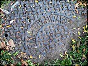 tramways manhole