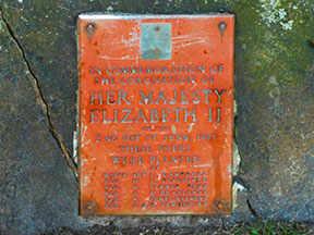 Jardins Queen Elizabeth - plaque commémorative