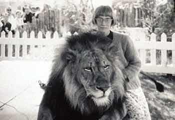 Expo 67 Linda and lion WestmountMag.ca