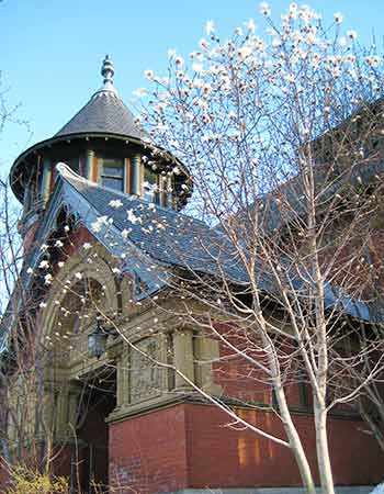 Bibliothèque de Westmount library, Westmount QC _WestmountMag.ca