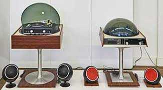 Musée des Ondes Emile Berliner – RCA, Stereo Sound System, Model Forma SFD 1073, design André Morin, 1972 – WestmountMag.ca