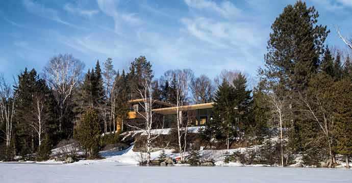 La résidence l aile de bois dans les laurentides westmount magazine