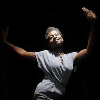 Tangente - Re-conter l'Afrique: Sleepwalker, de Fummi Adewole - image: David Wilson Clarke - WestmountMag.ca