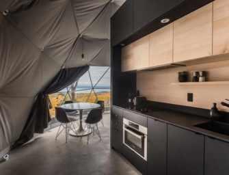 Eco-luxurious lodging in <br>Petite-Rivière-Saint-François