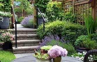 beautiful garden - WestmountMag.ca