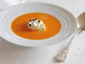 Love and Spices: <br>Carrot coconut soup