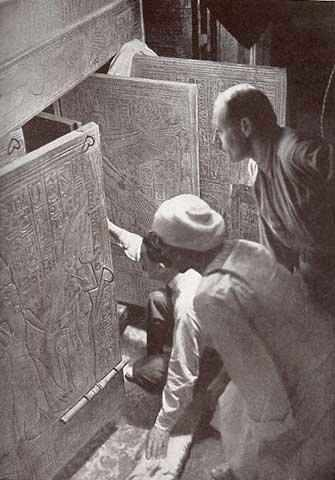 Carter opening King Tut's tomb - WestmountMag.ca