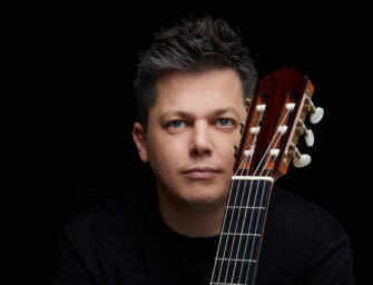 Fuego Latino with <br>guitar virtuoso Daniel Bolshoy