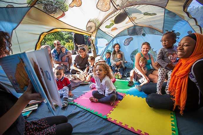 Matinées familiales avec Petits bonheurs aux Jardins Gamelin - Quartier des spectacles – WestmountMag.ca