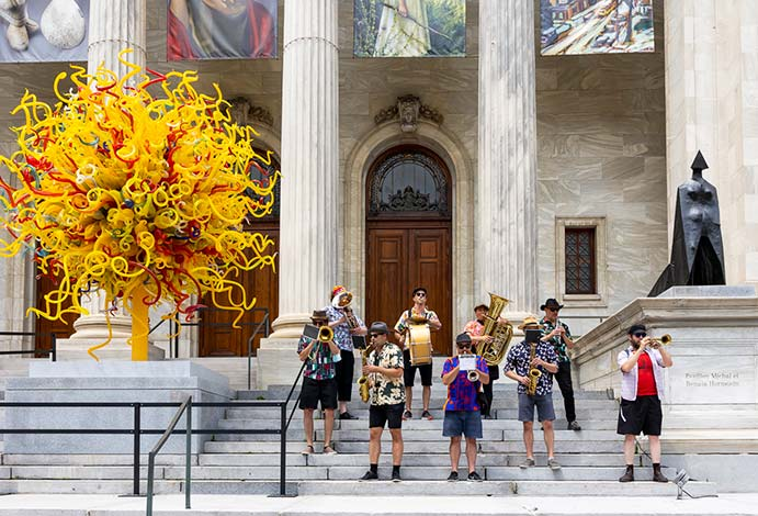 La Fanfare Jarry in front of the Montreal Museum of Fine Arts