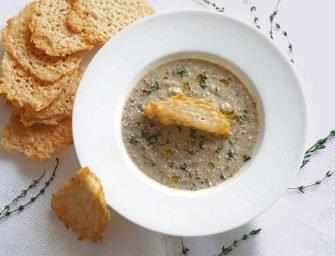 Love and Spices: Mushroom soup with Parmesan crisps