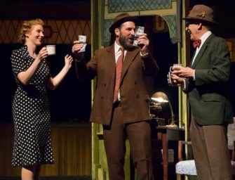 It's a Wonderful Life <br>comes to the stage