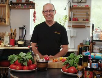 Making homemade <br>tomato sauce with Greg