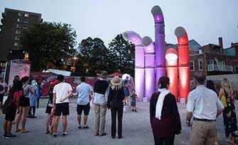Quartier des spectacles – Instrument à vent, d'Étienne Paquette – WestmountMag.ca