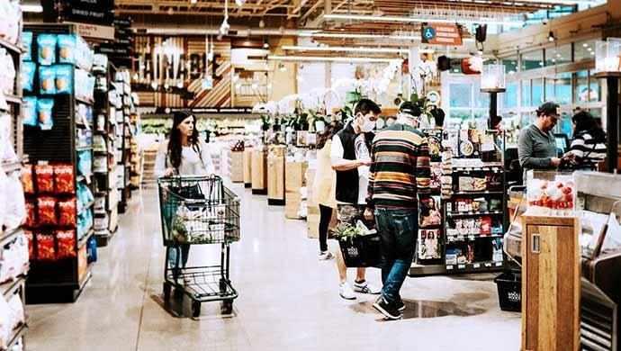 social distancing in stores - WestmountMag.ca