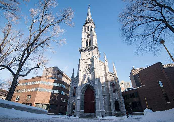 Clocher Saint-Jacques du pavillon Judith-Jasmin de l'UQÀM – WestmountMag.ca